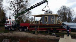 Transport houseboata